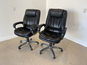 2 leather desk chairs for Sale in Pasadena, CA