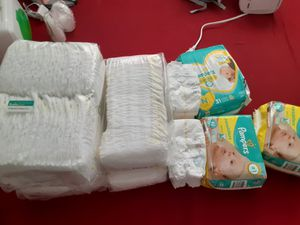 Pampers newborn size for Sale in Tampa, FL