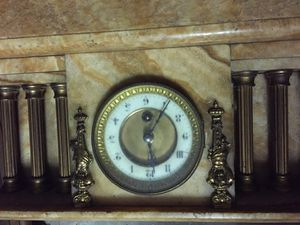 Large antique marble clock for repai or parts for Sale in Boca Raton, FL