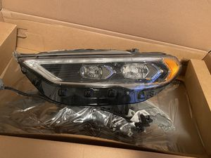2019 Ford Fusion Driver Headlight Brand New with box for Sale in Sacramento, CA