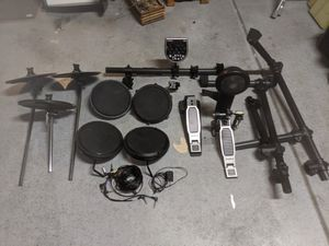 8 piece electronic drum kit with an Alesis DM6 drum module for Sale in Richmond, VA