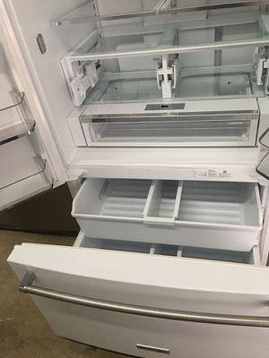 White bottom freezer for Sale in Miami, FL