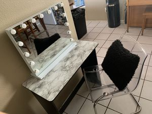 Mini vanity for Sale in Perris, CA