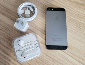 iPhone 5s, Factory Unlocked Clean IMEI, Excellent Condition for Sale in Springfield, VA