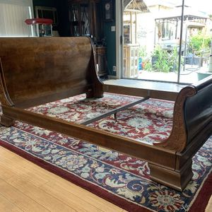 Vintage Designer Sleigh Bed for Sale in Long Beach, CA