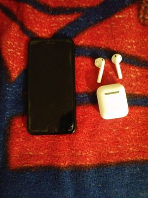 IPhone 7Plus With Apple Ear Pods for Sale in Queens, NY