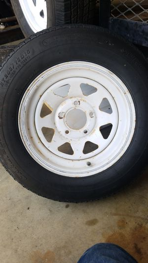 Trailer tire 205 75 r15 for Sale in Los Angeles, CA