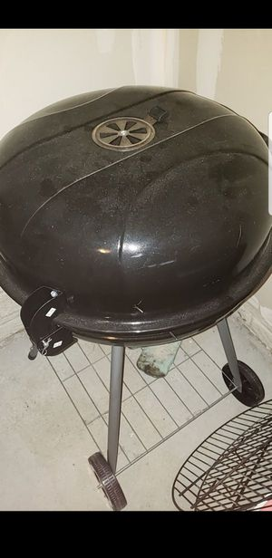 Great like new starter grill for Sale in Lancaster, OH