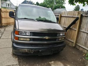 99 Chevy Express van for Sale in Cleveland, OH