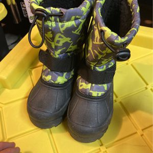 Kids Snow boots Size 12 for Sale in Costa Mesa, CA