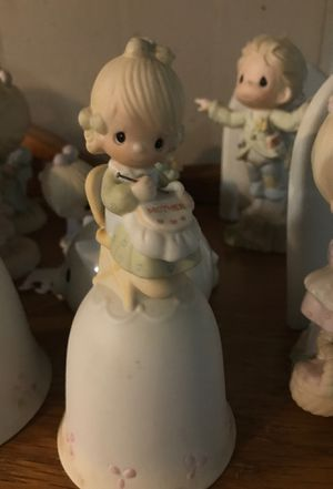 Precious moments porcelain bell mother so dear 1981 E-Dash 7181 for Sale in Bethlehem, PA