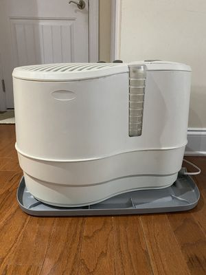 Lasko whole house humidifier for Sale in Raleigh, NC