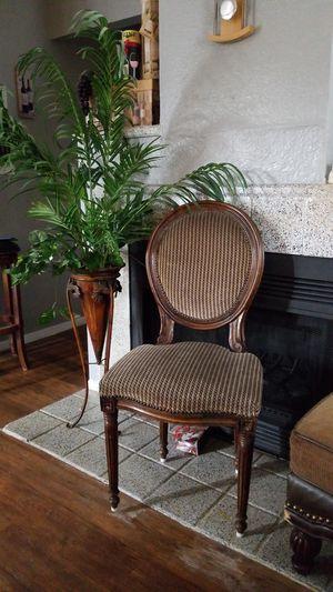 Balloon back chair for Sale in Arlington, TX