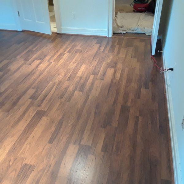 It ASE works of laminated wood floor good price