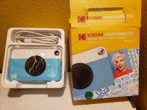 Kodak PRINTOMATIC Digital Instant Print Camera - Blue (RODOMATICBL) barely used selling for only $30 for Sale in Long Beach, CA