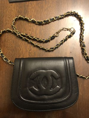 Chanel 1980s vintage crossbody belt mini bag for Sale in Issaquah, WA