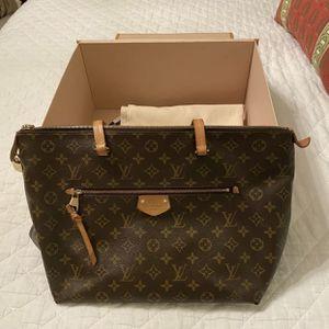 Louis Vuitton IENA shoulder Bag for Sale in Atlanta, GA