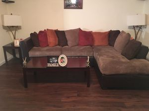 Sectional living room suit for Sale in Macon, GA