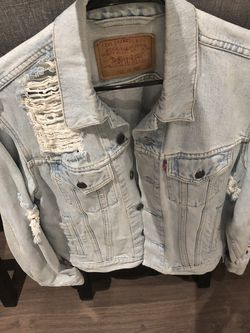 Levi Oversized Distressed Jean Jacket- Womens Medium for Sale in Chicago,  IL