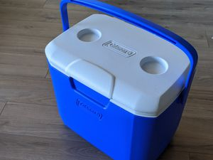 Coleman 28-Quart Cooler with Handle (fits +30 12oz cans) for Sale in San Mateo, CA