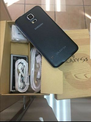 Samsung Galaxy S5 , UNLOCKED for All Company Carrier, Excellent Condition like New for Sale in Springfield, VA