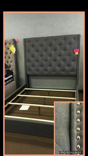 Queen size bed frame for Sale in Glendale, AZ