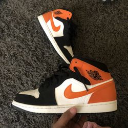 Jordan 1 mid Size 10 for Sale in Bloomington,  IL
