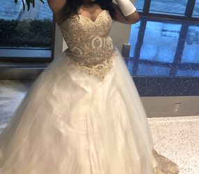 Quinceanera dress for Sale in North Miami Beach,  FL