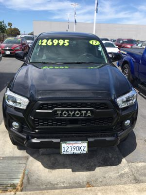 2017 Toyota Tacoma SR5 for Sale in Newark, CA