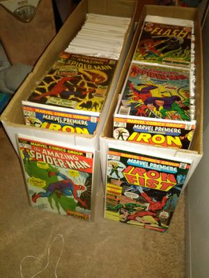 1000s comics selling per box comic collection marvel DC Spiderman hulk more for Sale in Las Vegas, NV
