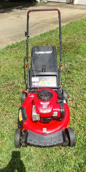 Troy bilt push mower good condition first pull start for Sale in Houston, TX