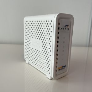 ARRIS Surfboard SBG6700-AC cable modem for Comcast Xfinity, Spectrum, Cox and more for Sale in Miami, FL