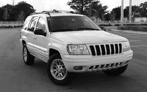 Automatic O4 Jeep SUV Grand Cherokee 4WDWheels for Sale in Raysal, WV