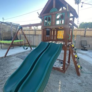 Playground used ! Delivery And Installation for Sale in Compton, CA