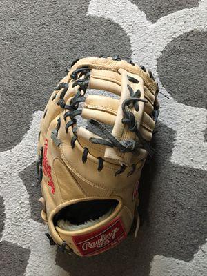 "Rawlings first base baseball glove size 13"" , the gold glove co. GGEFB13C for Sale in Huntington Beach, CA"