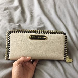 BETSEY JOHNSON WALLET for Sale in Miami, FL