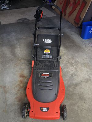 Black & Decker electric lawn mower for Sale in Everett, WA