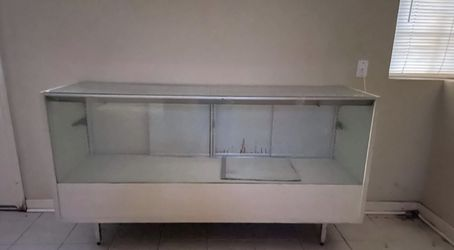 Glass Display Case for Sale in Waco,  TX