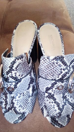 Michael kors high heel shoes for Sale in Fresno, CA