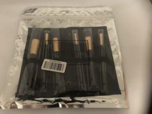 Forever 21 Makeup Brush Set with Travel Case BRAND NEW $10 for Sale in Pacifica, CA