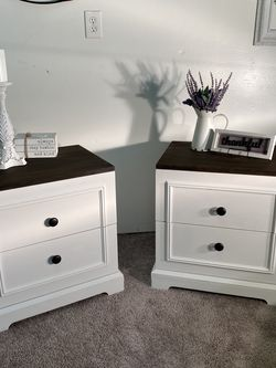 Newly redone all solid wood with Gliding Drawers for Sale in Tacoma,  WA