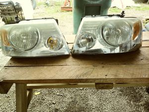 Headlights for Ford f150 2004 and 2005 for Sale in Tullahoma, TN