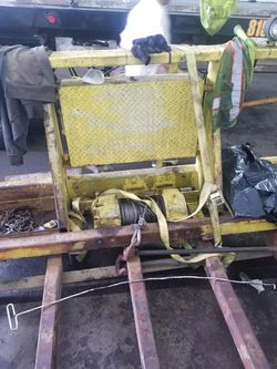 Winch / header rack . 20 000 lbs for Sale in Joliet,  IL