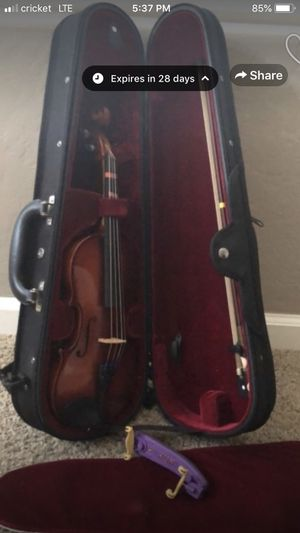 Beautiful 1/4 violin for Sale in Visalia, CA