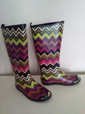 Girls Size 1 Rain / Snow Boots for Sale in Dallas, TX