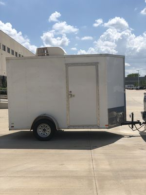 I'm selling a 2018 enclosed trailer for Sale in Houston, TX