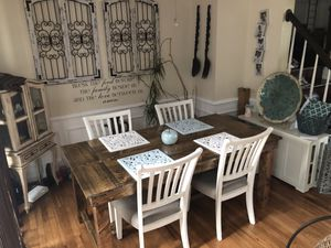 Handcrafted Barnyard Style Table for Sale in New Market, MD