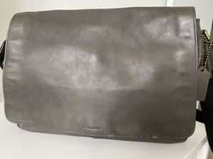 COACH LEATHER LAPTOP BAG for Sale in Miami, FL