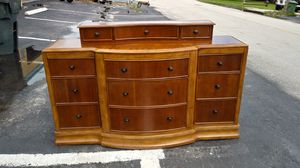 Dresser for Sale in Wilton Manors, FL