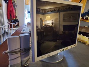 19in computer monitor and speakers for Sale in Kernersville, NC